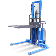 Semi-electric Straddle Stacker (Auto-levelling) Astrolift